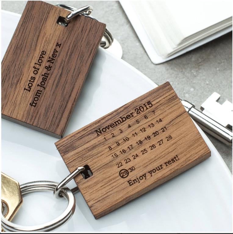 portachiavi-legno-personalizzato-idea-regalo-pensione