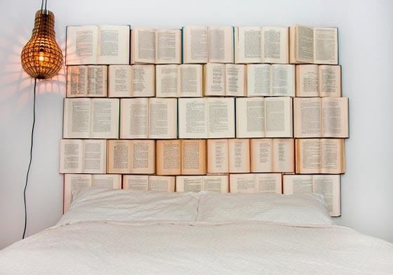 testiera-letto-fatta-di-libri