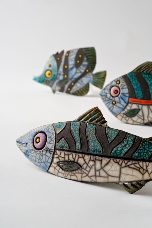 Pesci in ceramica raku realizzati da  Craft In Ireland