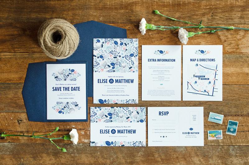 Partecipazioni floreali blu