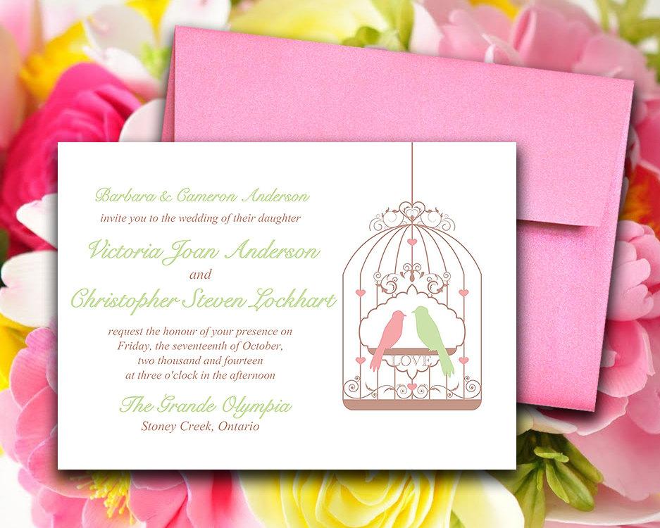 Partecipazioni shabby con uccellini rosa e verdi
