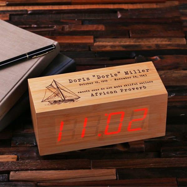 Sveglia personalizzata in legno
