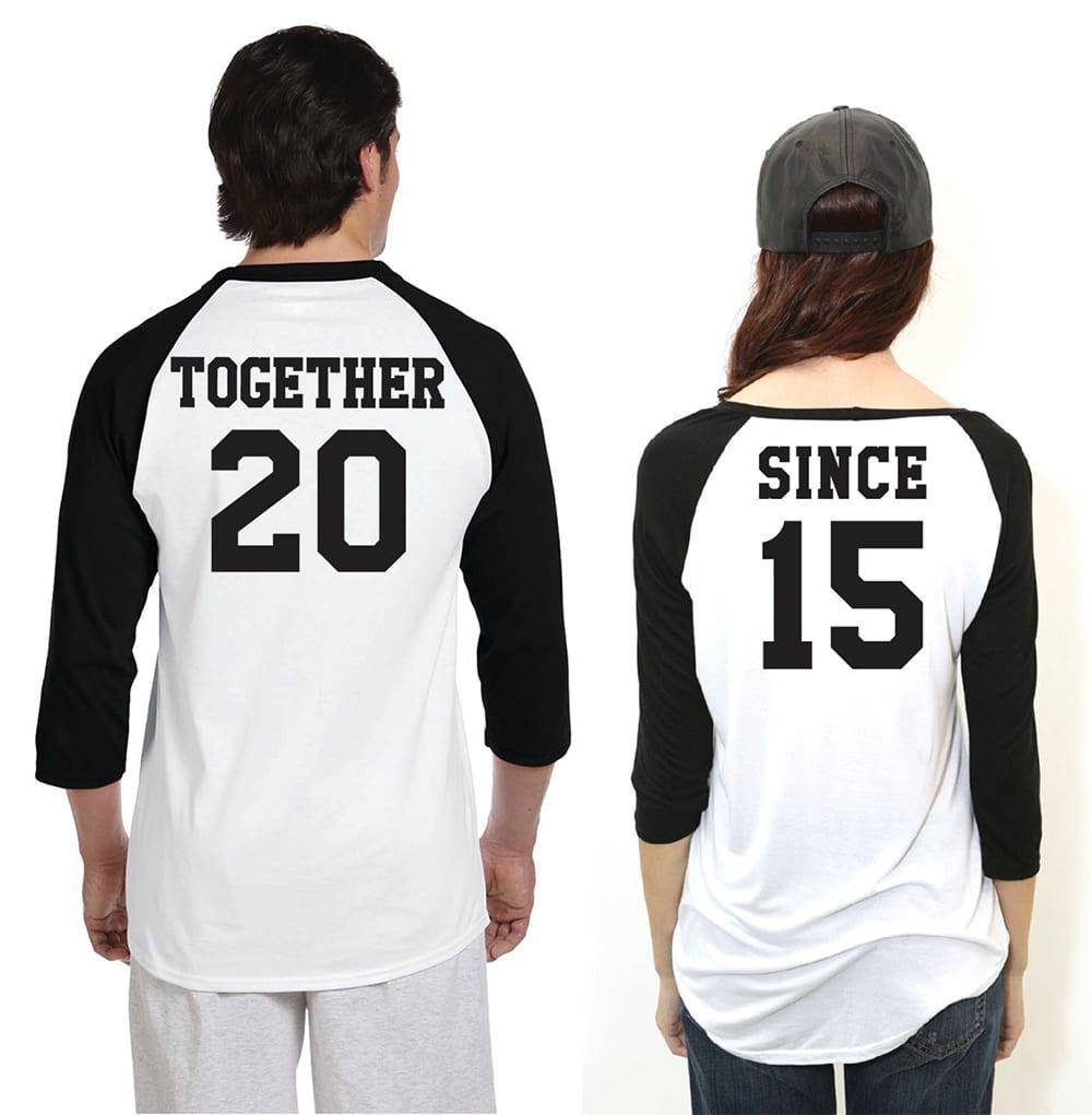 T-shirt di coppia con data dell'anniversario