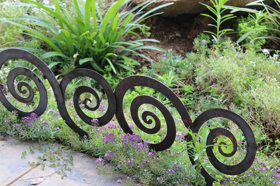 Garden decor come personalizzare il tuo giardino olalla for Recinzione aiuole
