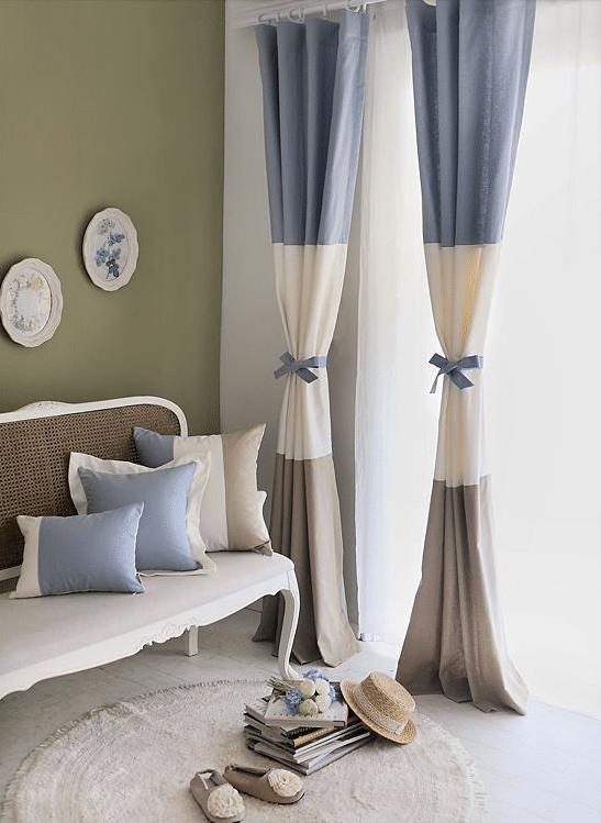 soggiorno-tende-blu