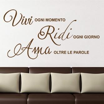 adesivi-murali_Vivi-Ridi-Ama