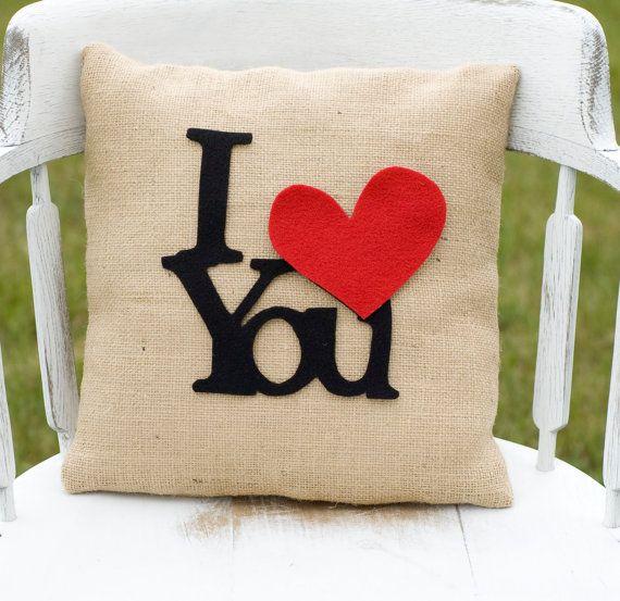Cuscino romantico con scritta personalizzabile