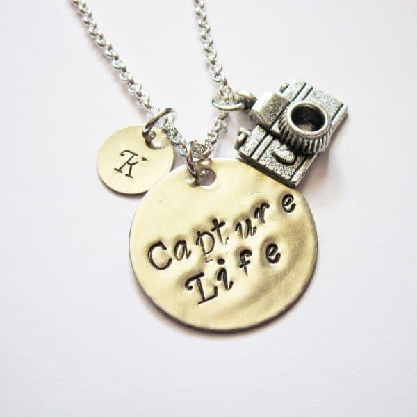 collana regalo personalizzabile per fotografi in metallo