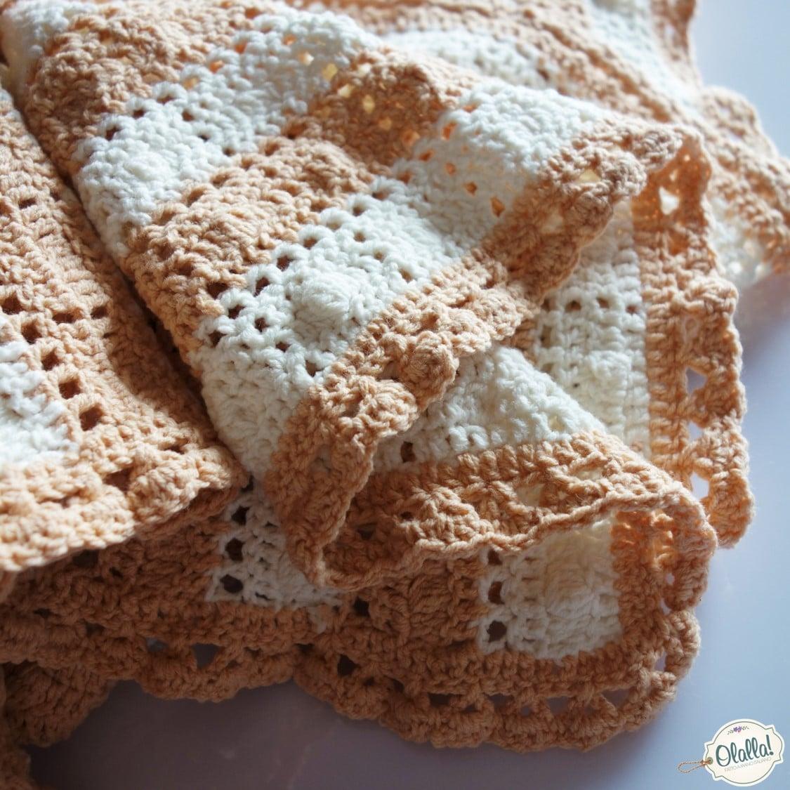 Lampade Ad Uncinetto: Lampade ad uncinetto poncho in lana grigio perla realizzato di.