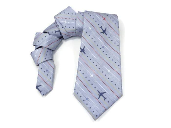 Cravatta con aerei