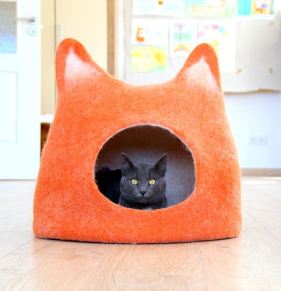 Cuccia per gatto in lana cotta