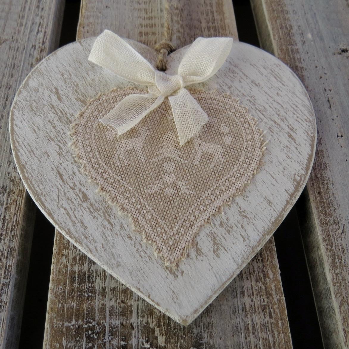 Cuore in legno shabby chic decorazione natalizia da for Nomi in legno da appendere