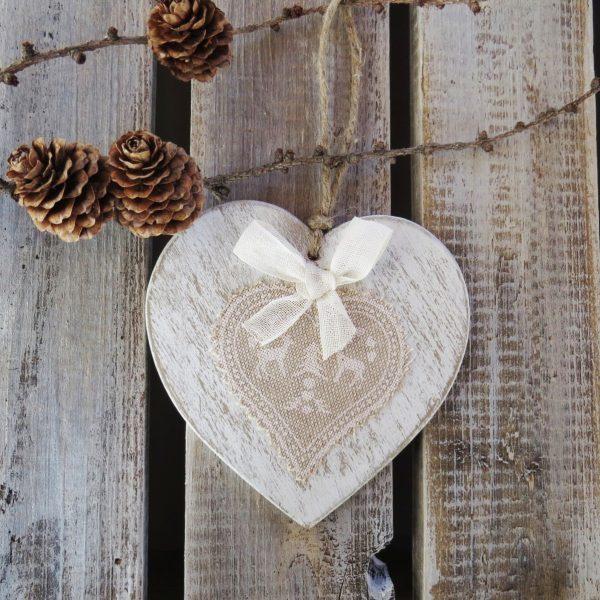 Cuore in legno shabby chic decorazione natalizia da for Decorazioni natalizie in legno da appendere