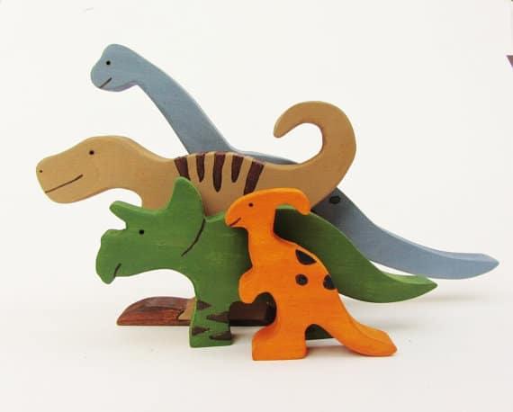 Dinosauri in legno