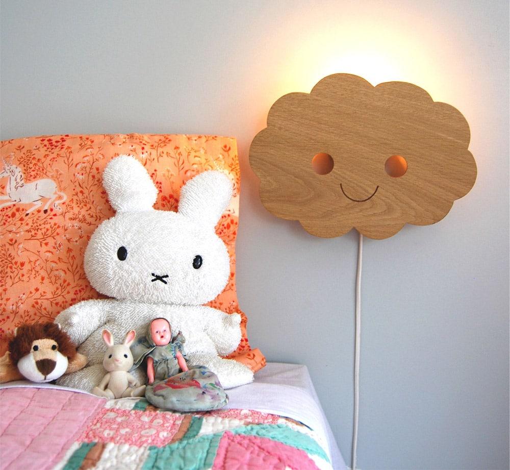 Lampada per cameretta in legno a forma di nuvoletta