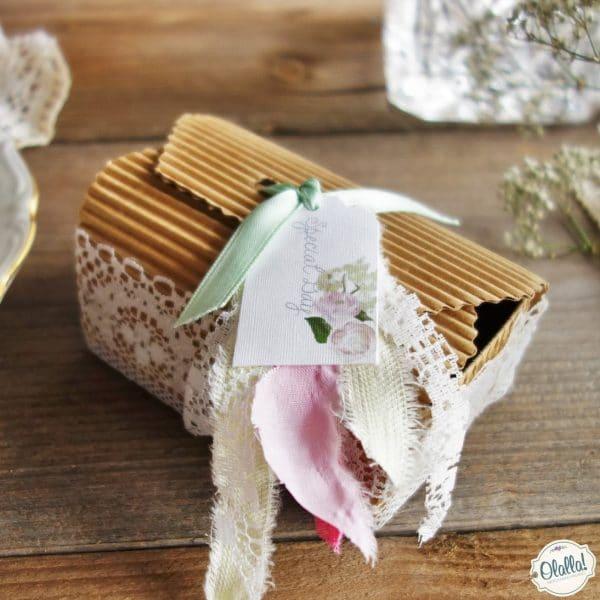 scatolina-porta-confetti-matrimonio-pizzo-carta-naturale