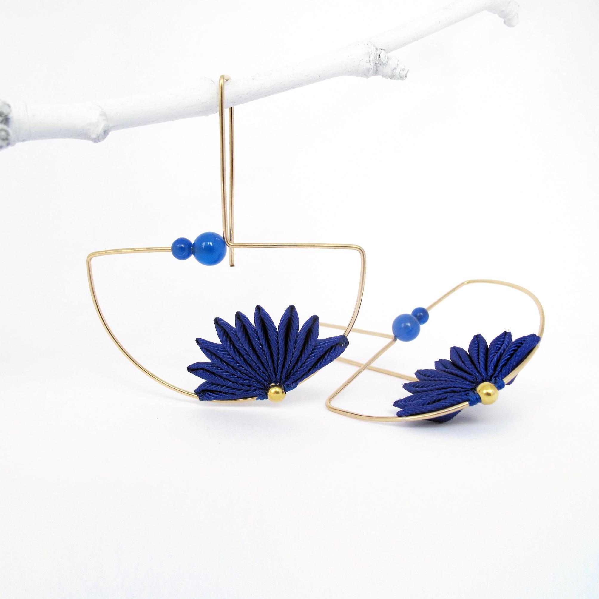 orecchini-geometrici-fatti-a-mano-rossi-blu-cobalto-oro