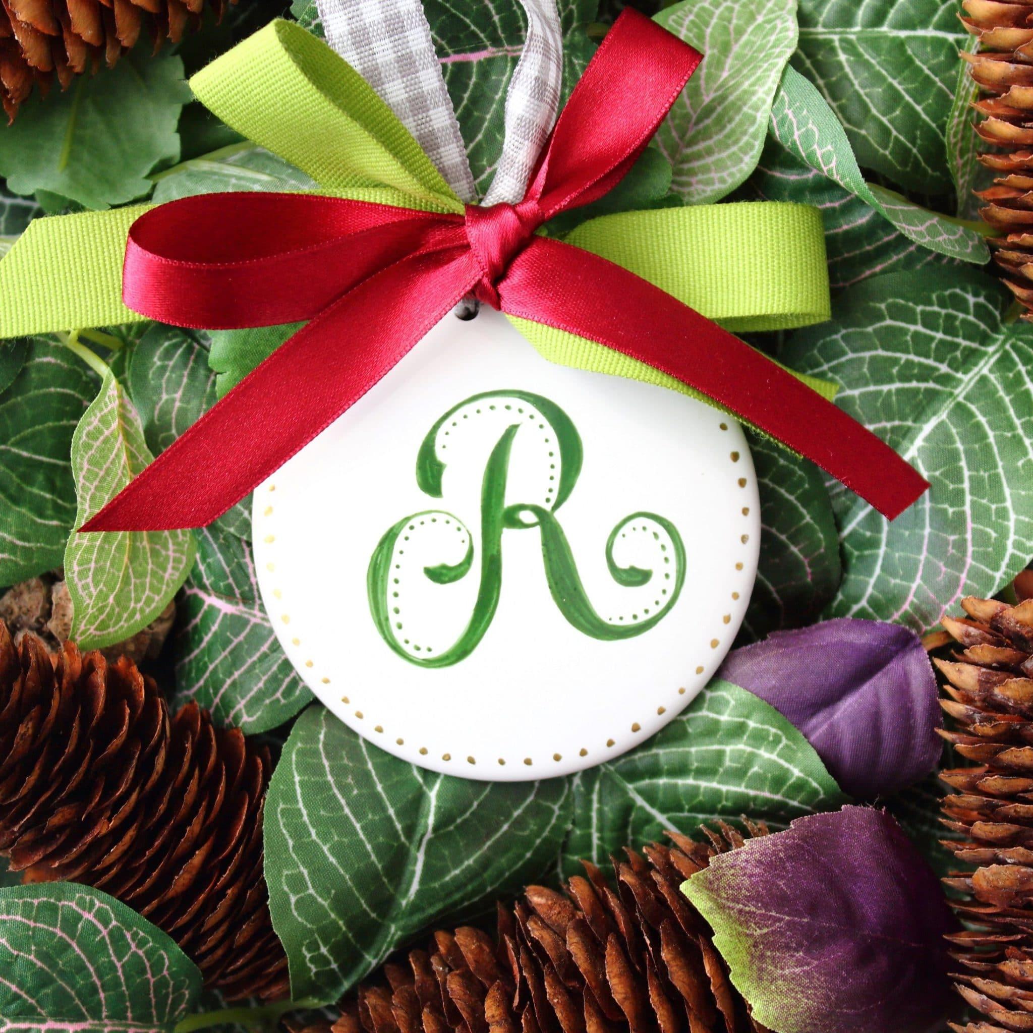 Decorazione per l 39 albero di natale in porcellana personalizzata con monogramma olalla - Decorazioni natalizie fatte a mano per bambini ...