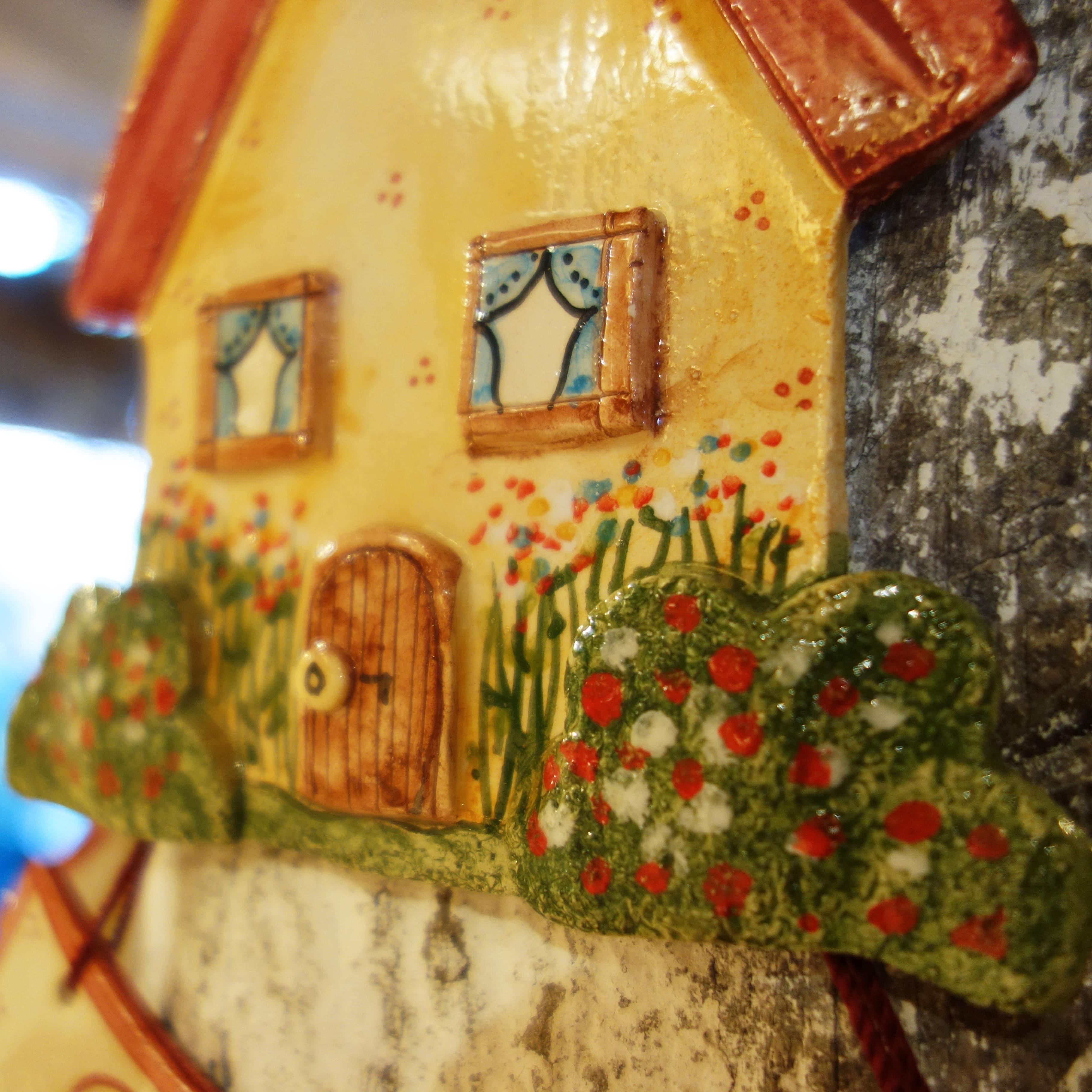 Casetta in ceramica da appendere casa dolce casa olalla for Casa dolce