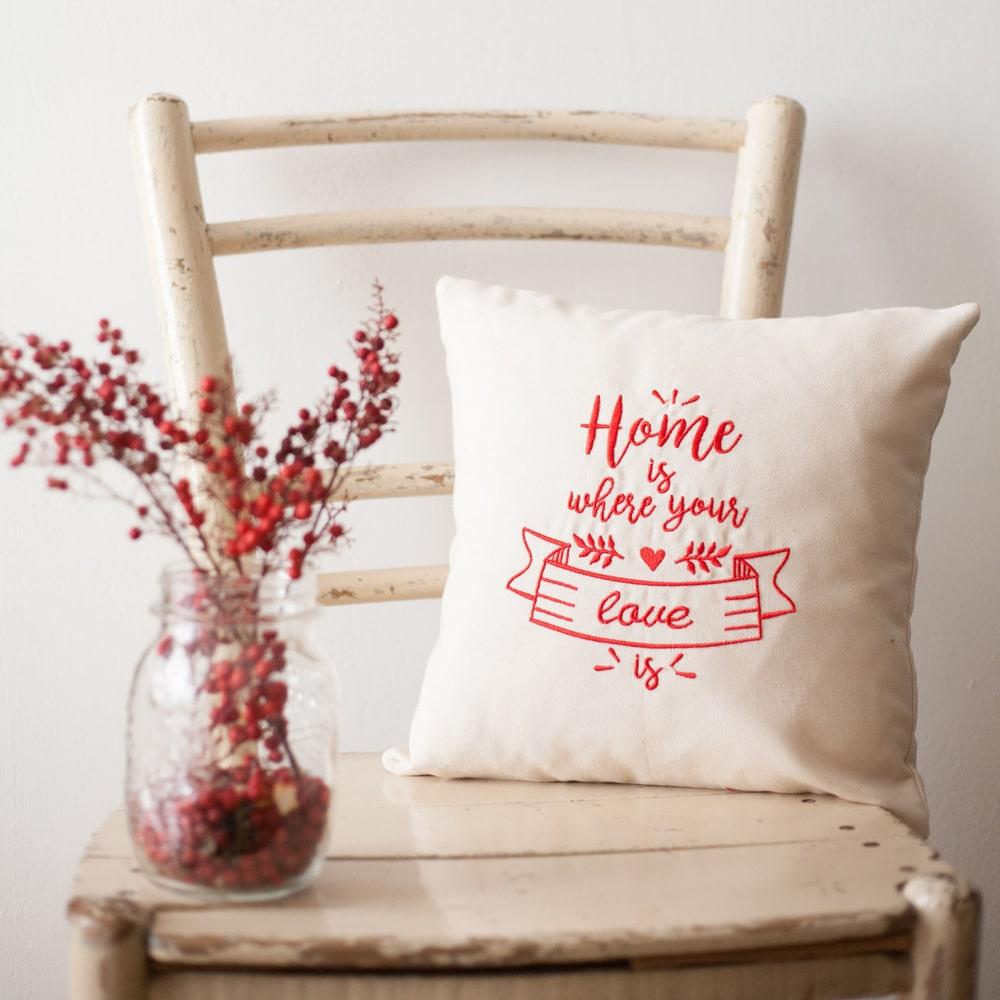 cuscino-ricamato-san-valentino-anniversario-regalo