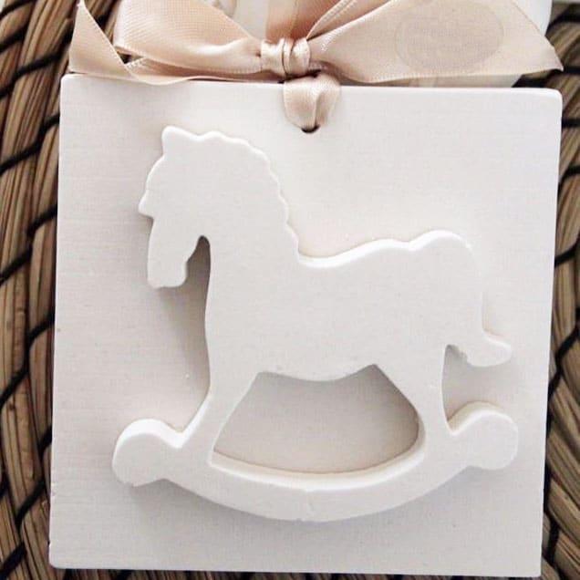 Cavallo A Dondolo Artigianale.Gessetto Profumato Cavallo A Dondolo 10x10cm Olalla