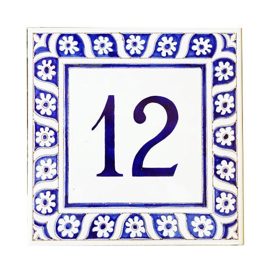 targa-numero-civico-bordo-rilievo-greca-fiori-bianco-blujpg