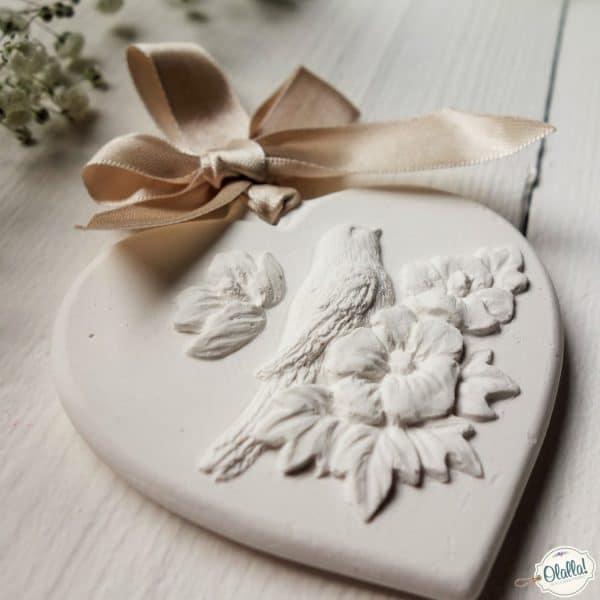 gessetti-profumati-uccellino con fiorellini