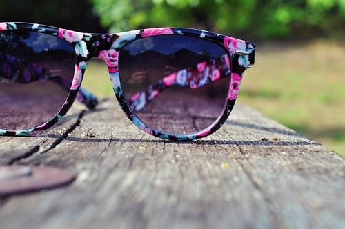 occhiali da sole fiori