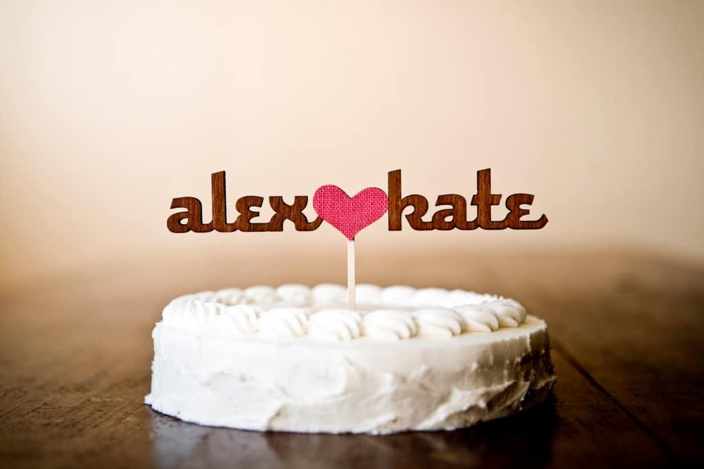 cake-topper-legno-torta-nuziale-nomi-cuore