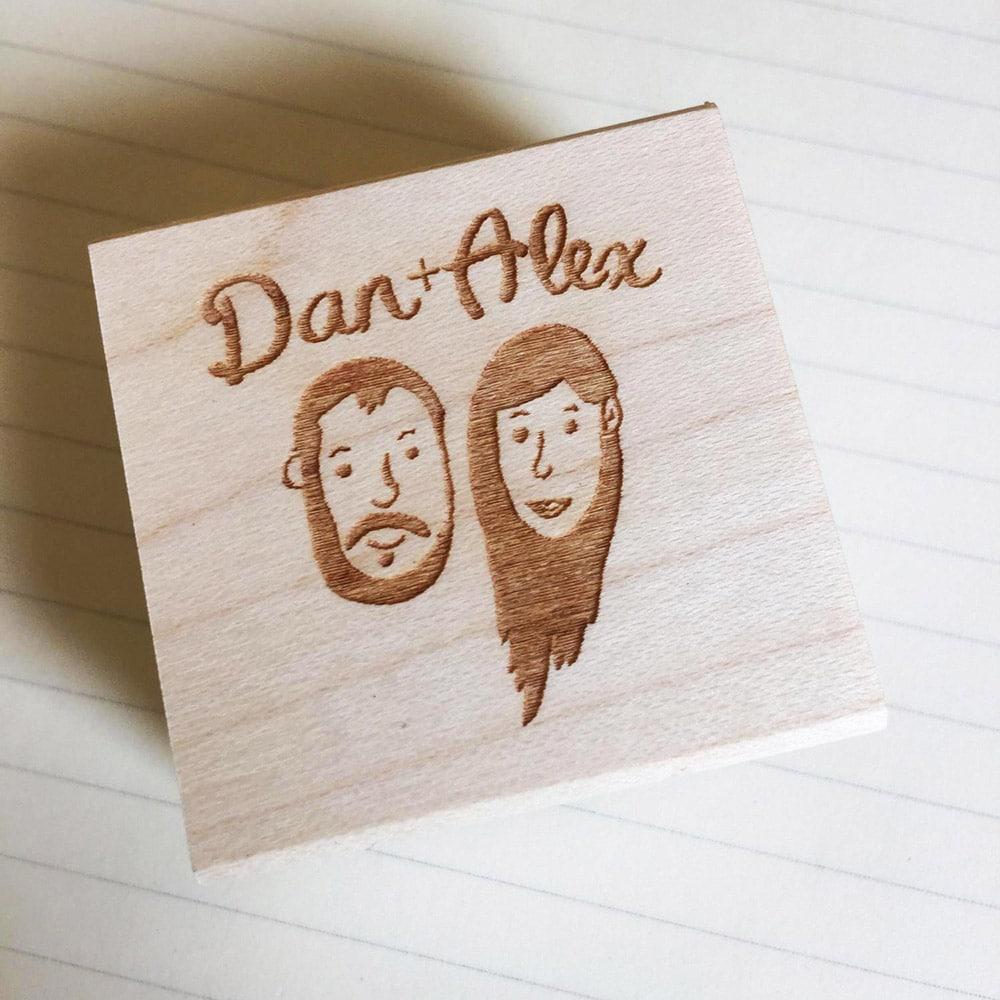 Timbro personalizzato con caricatura della coppia