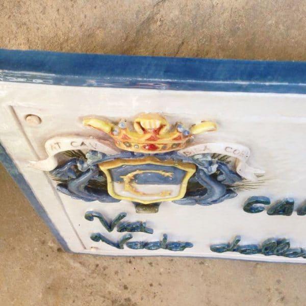 targa-via-stemma-comune-ceramica-rilievo3