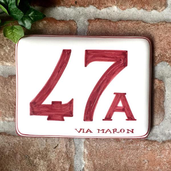 numero-civico-dipinto-mano-semplice-rosso