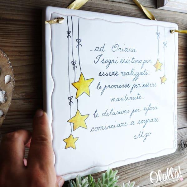 targa-ceramica-personalizzata-da-appendere-frase-con-dedica-decoro-stelline