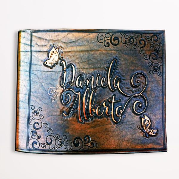 album-pelle-personalizzato-inciso-mano