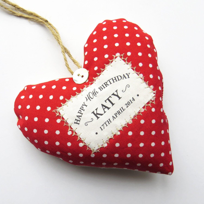 idea-regalo-40-anni-donna-cuore-da-appendere-personalizzato-rpfumabiancheria