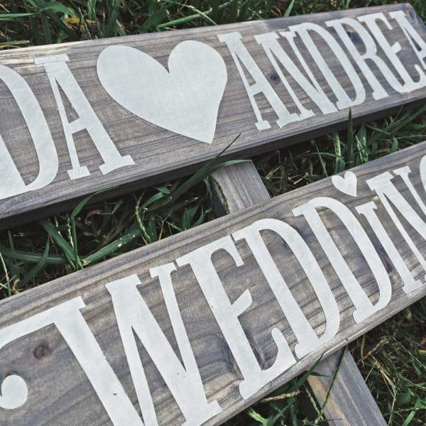 insegna-matrimonio-personalizzata-wedding-legno-direzione