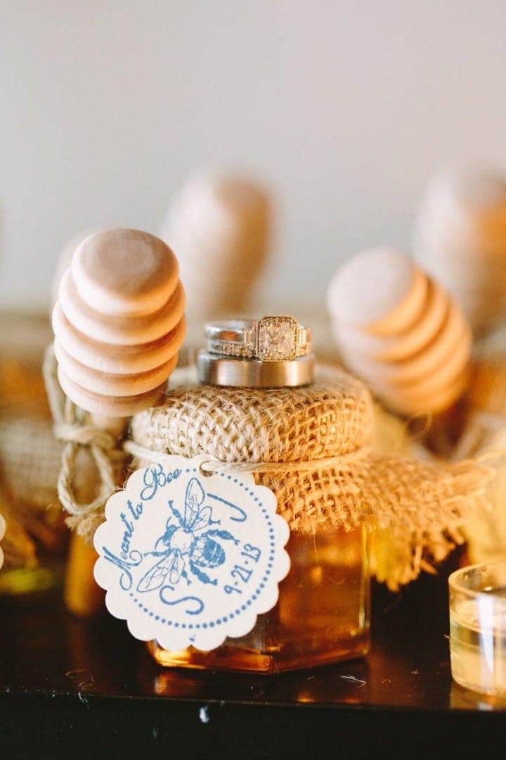 miele-bomboniera-matrimonio-copritappo-juta