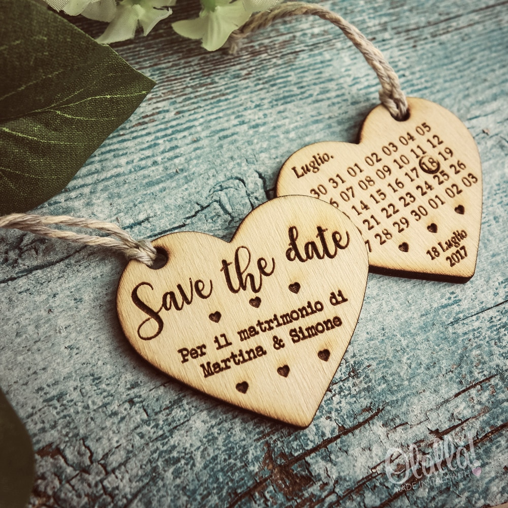 Matrimonio Tema Date Importanti : Cuori save the date in legno calendario data del