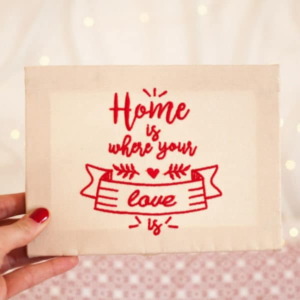 quadretto-tela-personalizzato-home-is-where-the-love-is-ricamato-mano
