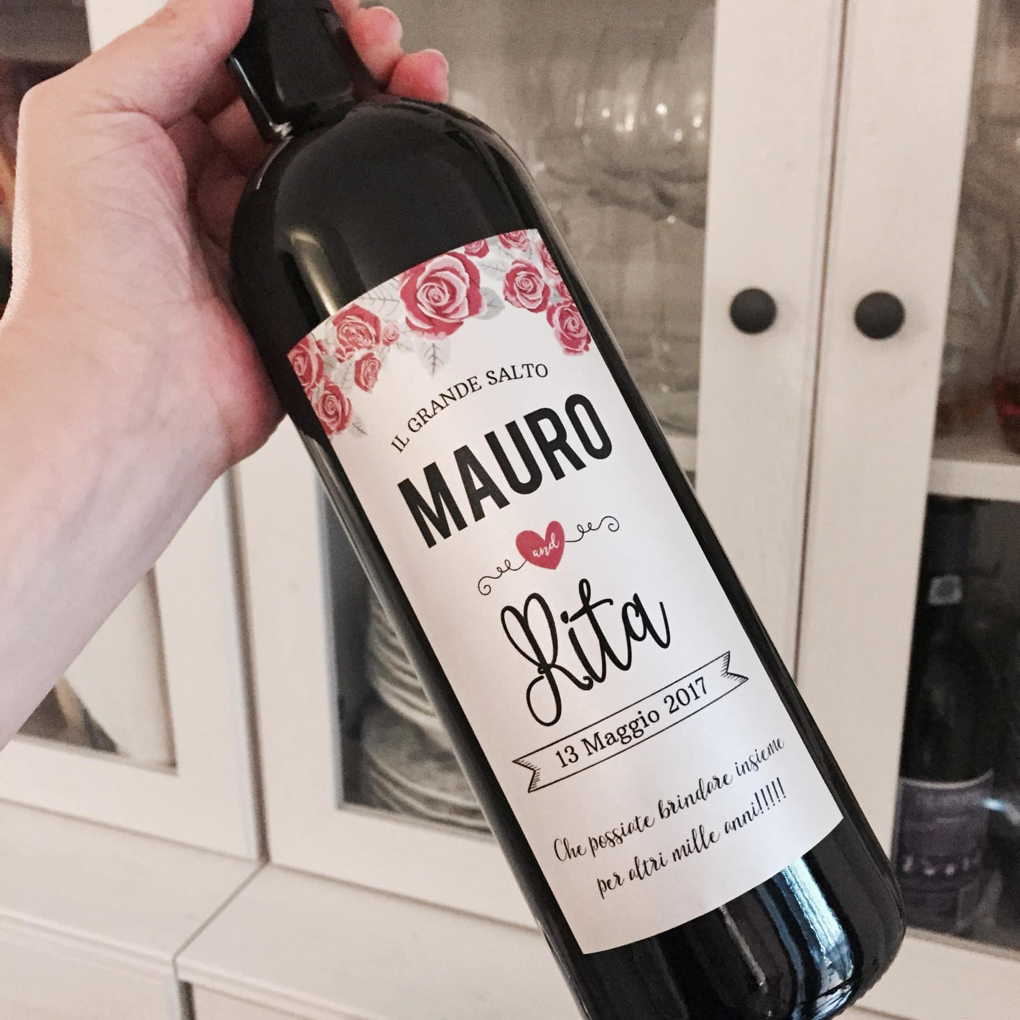 Auguri Matrimonio Vino : Bottiglia di vino personalizzata rose idea regalo