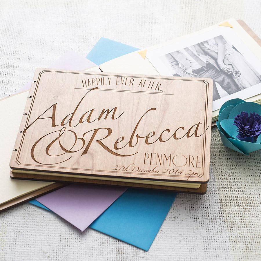 guestbook-legno-chiaro-nomi