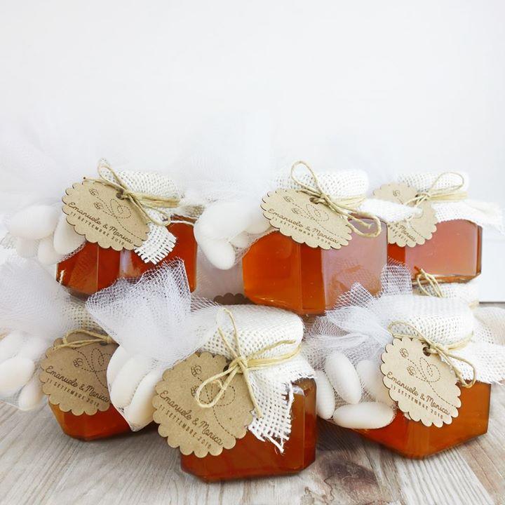 Bomboniera Matrimonio Country Chic : Bomboniere vasetti di miele stile country con juta avorio