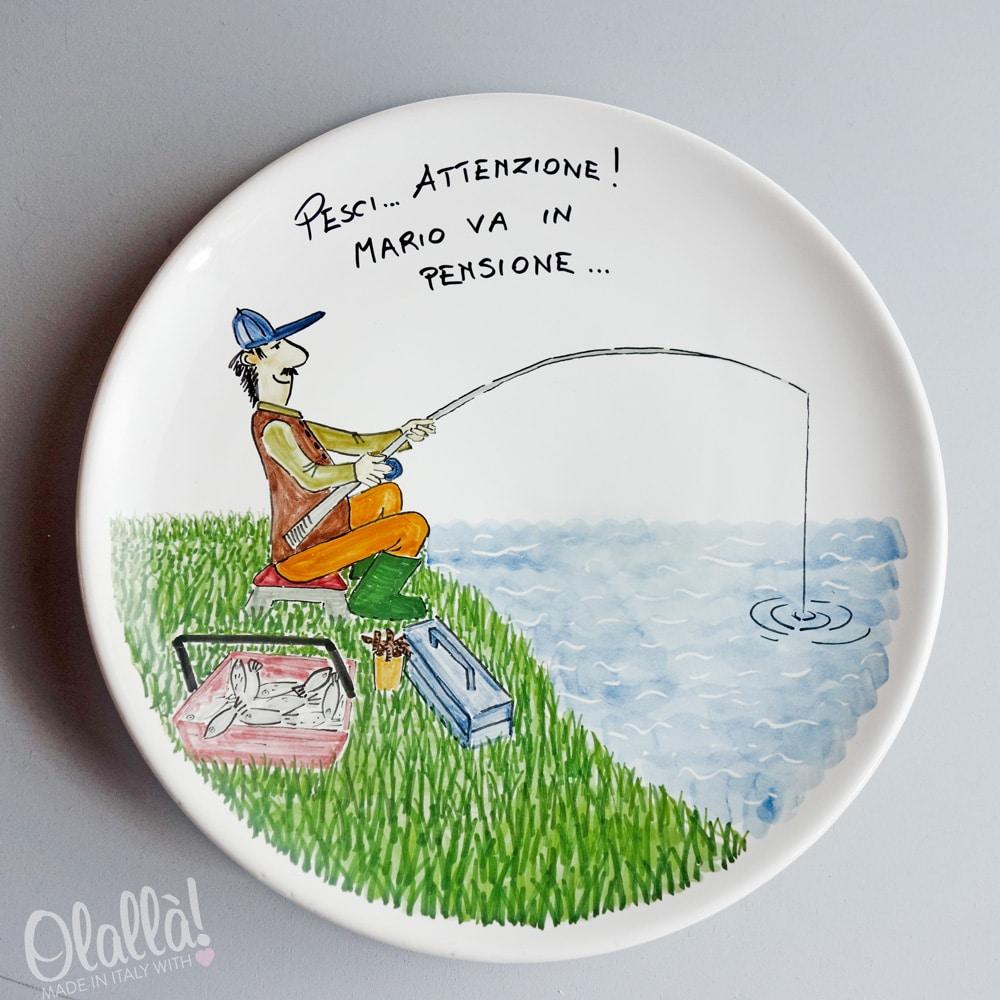 Come Appendere Piatti In Ceramica piatto in ceramica con ritratto pescatore personalizzato - idea regalo  pensionamento | olalla