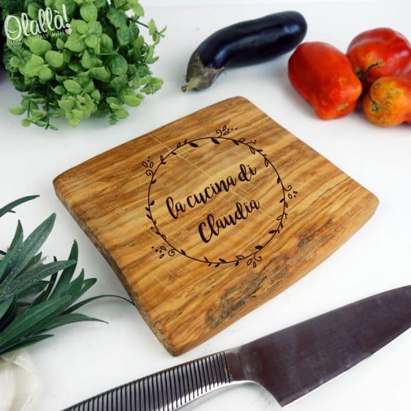 tagliere-ulivo-personalizzato-regalo-compleannio-cucina