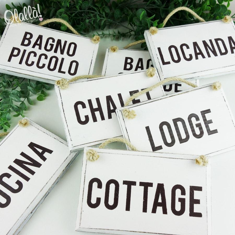 Targhetta in legno vintage personalizzata nomi delle for Nomi in legno da appendere
