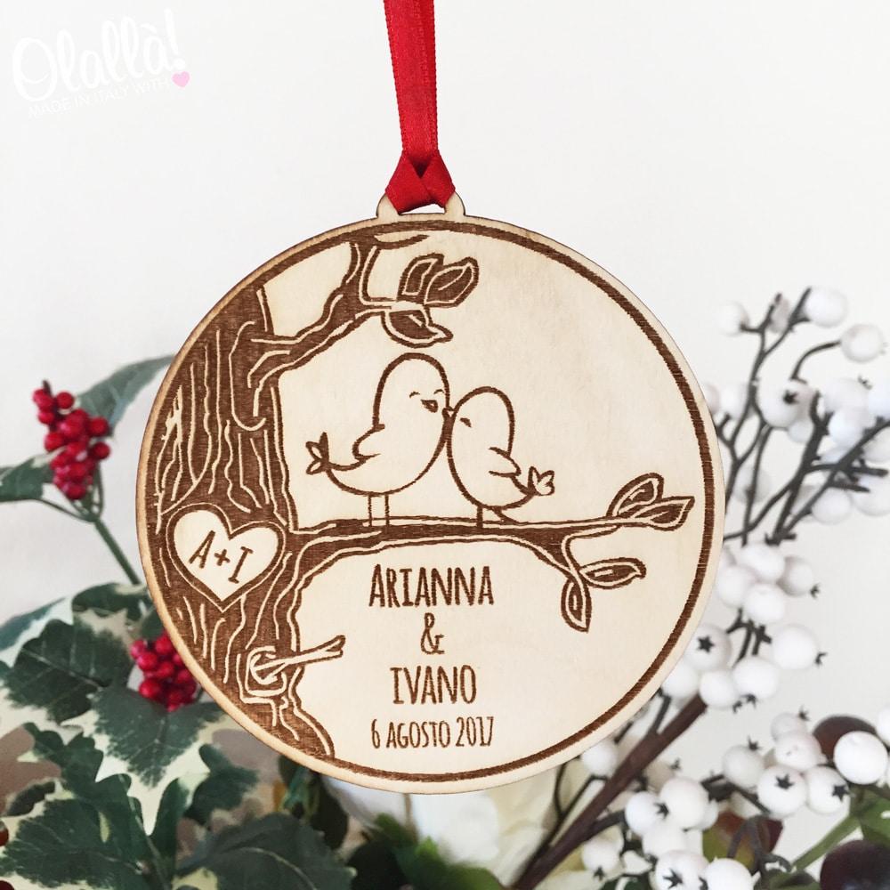 Decorazione di legno da appendere all 39 albero con romantici for Decorazioni natalizie in legno da appendere