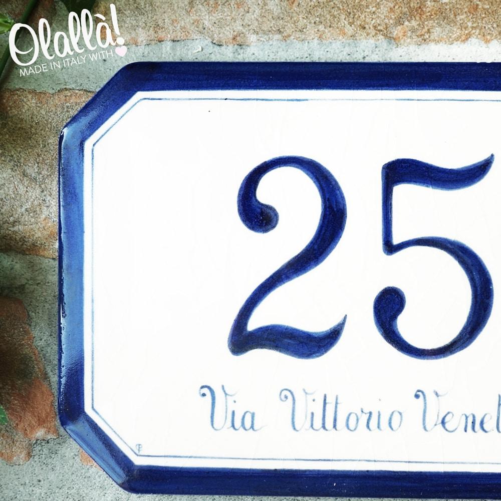 Numeri Civici In Ceramica.Numero Civico In Ceramica Ottagonale Con Bordo Dipinto Olalla