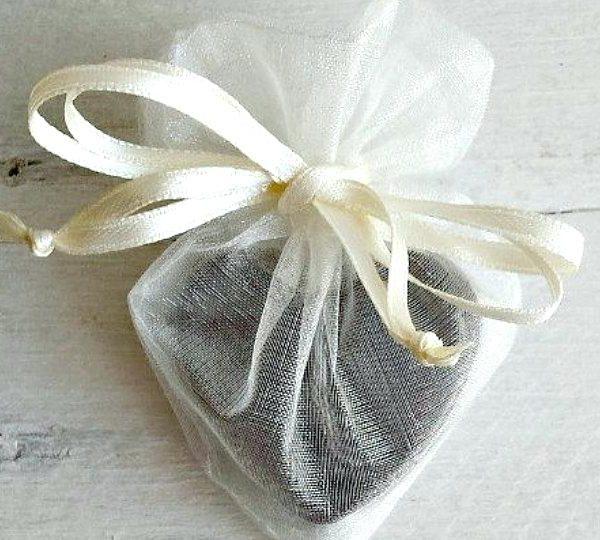 saponetta-cuore-sacchetto-organza-bomboniera