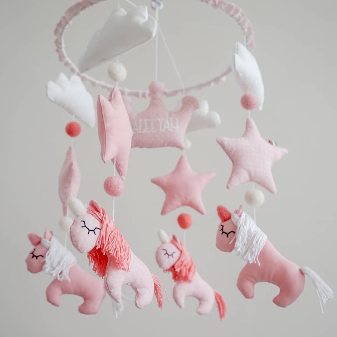 giostrina-unicorni-rosa-regalo-nascita