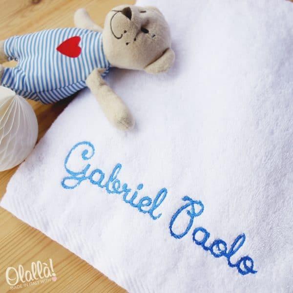 asciugamano-spugna-bimbo-ricamato-nome-personalizzato-1